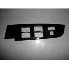 Накладка кнопок управления стеклоподъемниками пластиковая Geely EC-8 1017015146