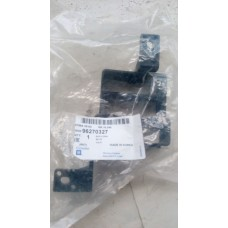Блок разъемов в салоне Daewoo Lanos GM 96270327-GM